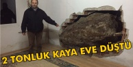 Tire#039;de bir eve kaya düştü